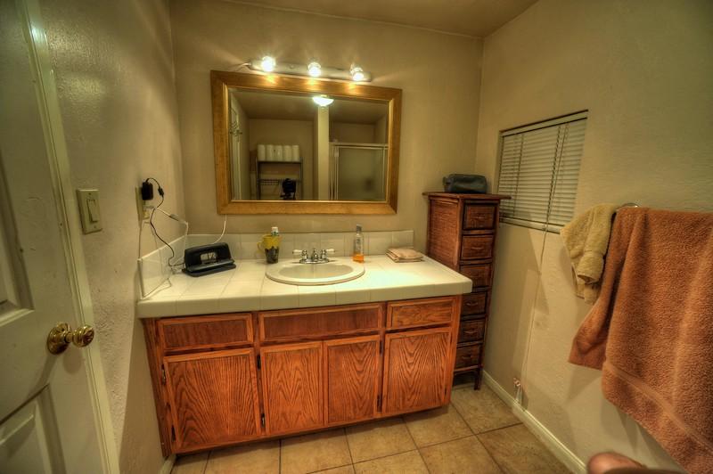 Apartment 003.jpg