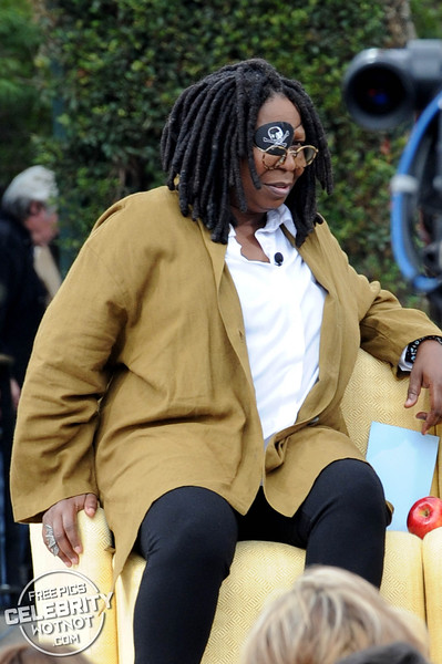 Whoopi Goldberg Wears Eye Patch To Interview Kobe Bryant!