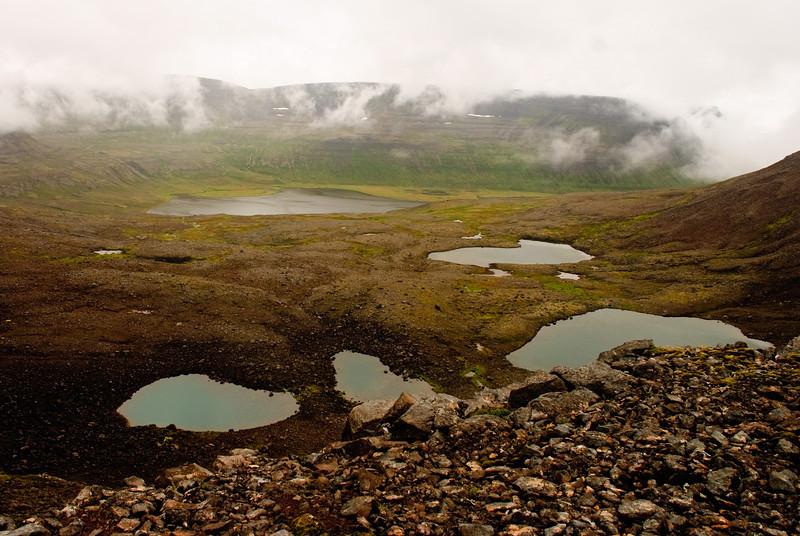 Þorleifsdalur, neðar er Fljótsvatn