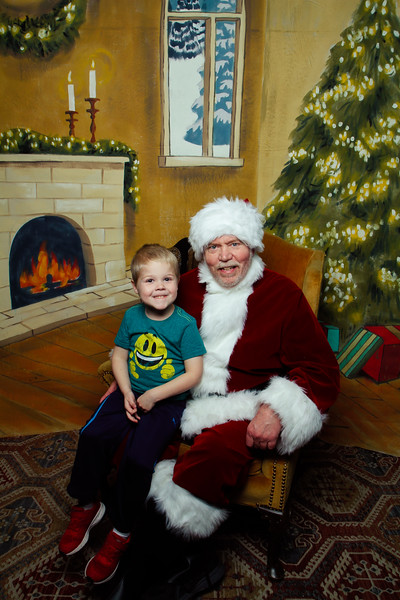 Pictures with Santa Earthbound 12.2.2017-096.jpg