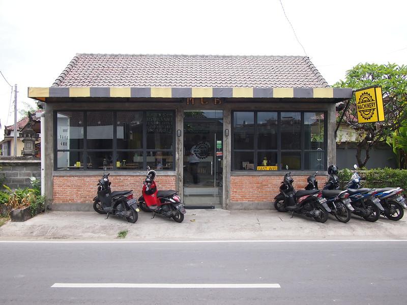 P3140817-machinery-cafe.JPG