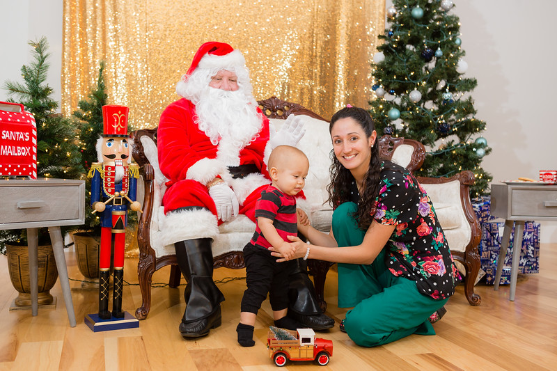FADS Picture with Santa-250.jpg