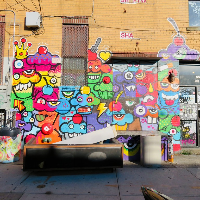 phetus street art bushwick brooklyn cupcakes