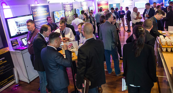 Networking & Stands