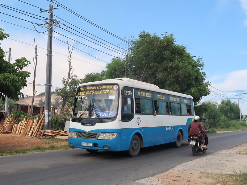 IMG_3372-bus-to-lagi.jpg