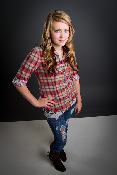Brylee - Senior picture- ldsphotographer-23.jpg