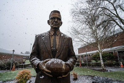Linfield Snow Day Photos