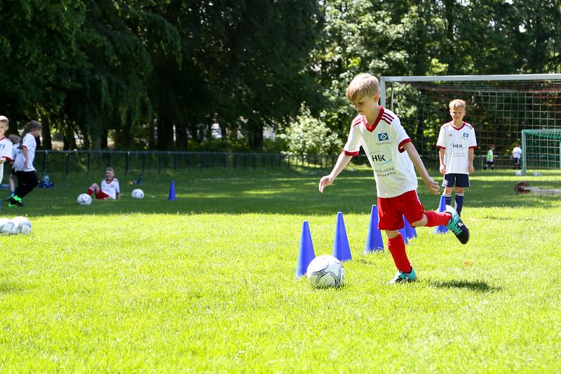 hsv_fussballschule-458_48047956941_o.jpg