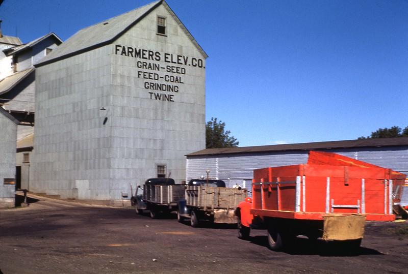 ARS046.  Farmers Elevator - Arthur, ND - 1946‡.jpg