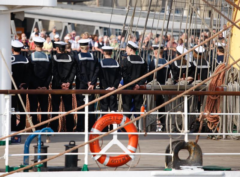 Hafengeburtstag Hamburg junge Matrosen auf einem Segelschiff aus Polen