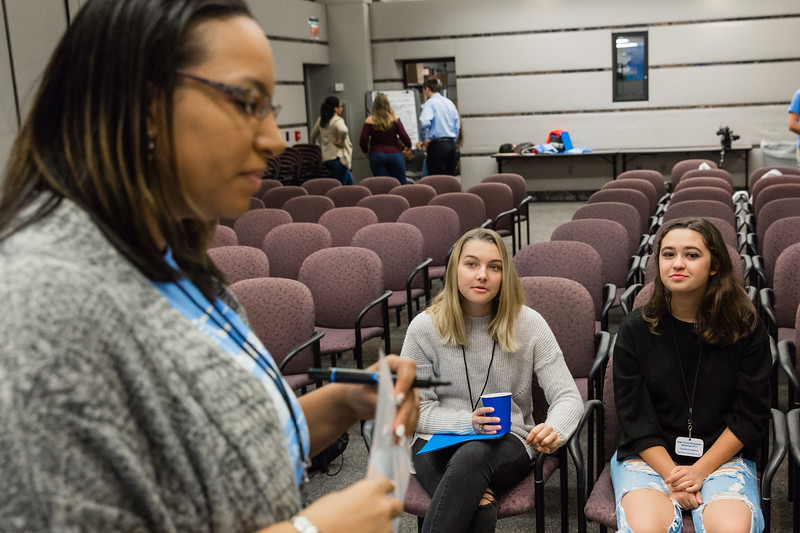 High school journalism students from area Palm Beach county schools participate in the  High School Newspaper Workshop at The Palm Beach Post on Thursday, October 26, 2017.  (Joseph Forzano / The Palm Beach Post)