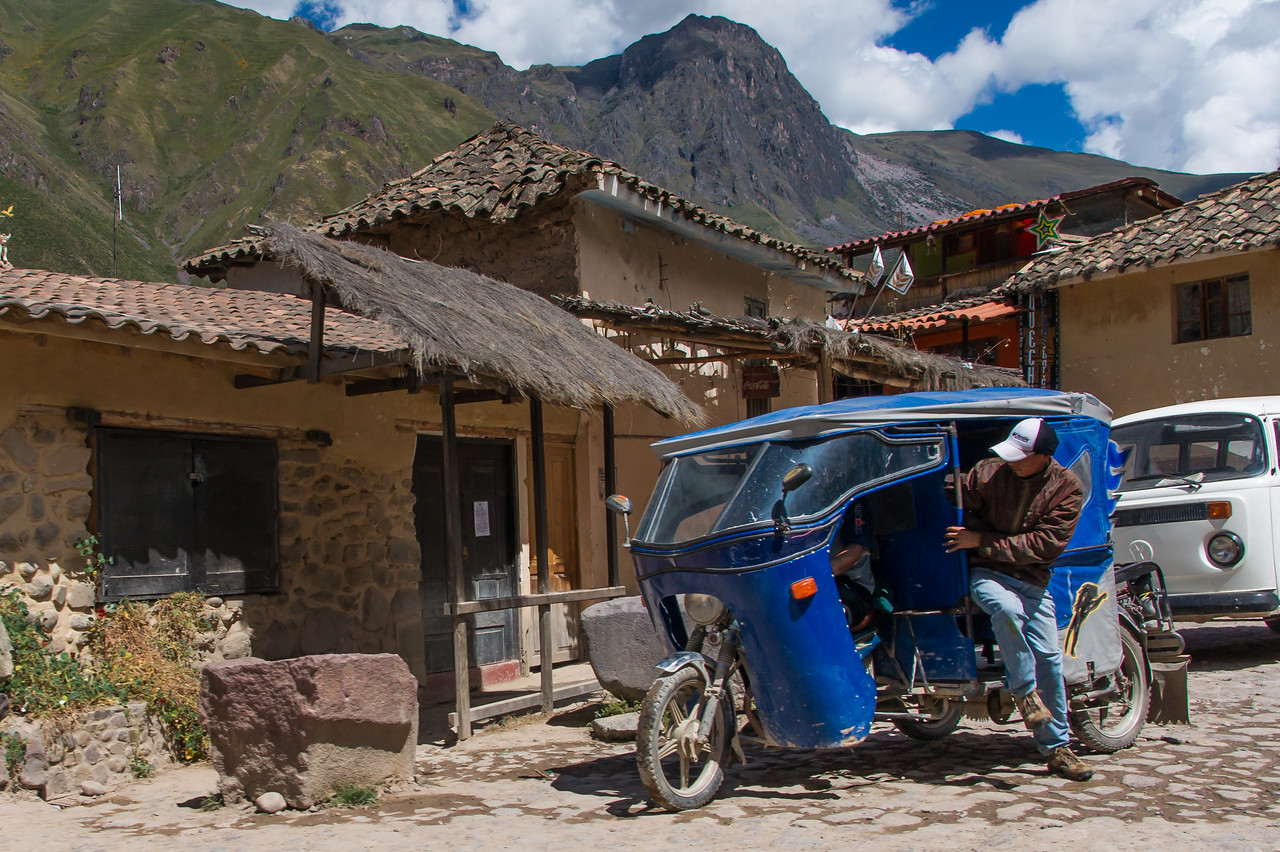 Car in Ollantaytambo, Sacred Valley.