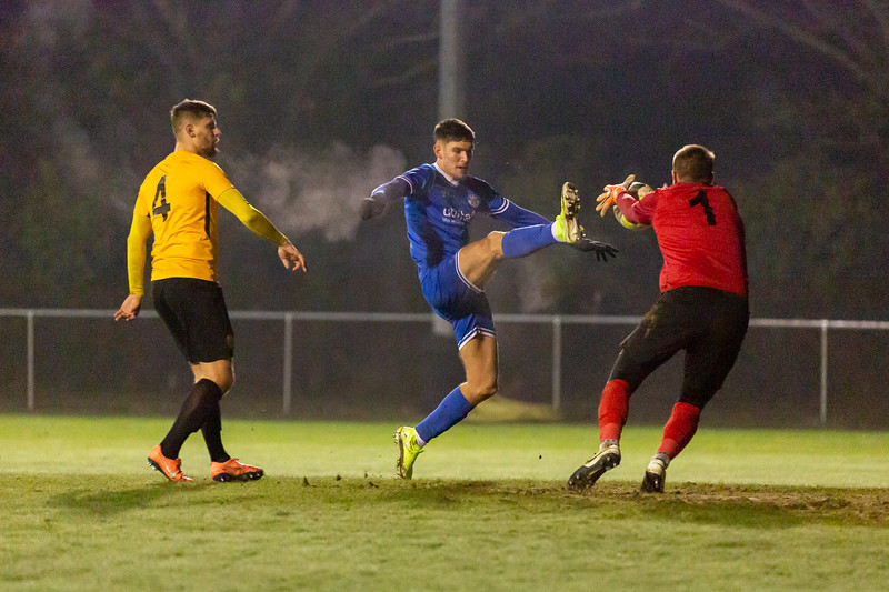 Bashley v Eastleigh-15.jpg