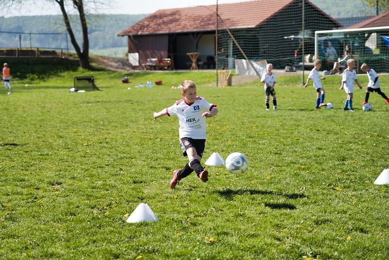hsv-fussballschule---wochendendcamp-hannm-am-22-und-23042019-w-50_46814456565_o.jpg