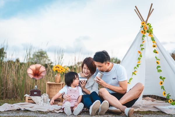 Yi-Ning and Yong Cheng Family Photos