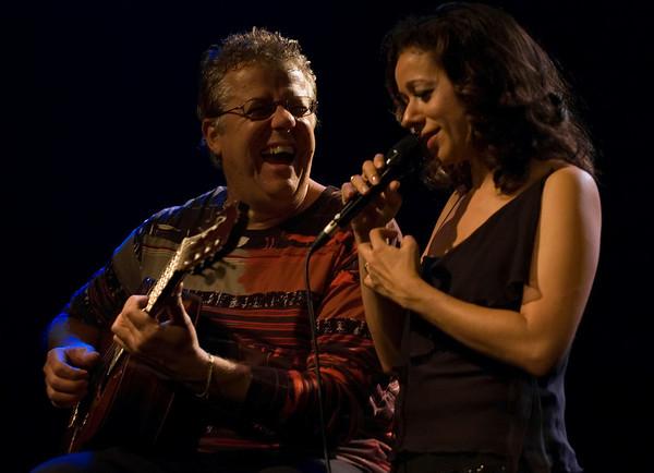LUCIANA SOUZA & ROMERO LUBAMBO - Escorxador - 24-11-05