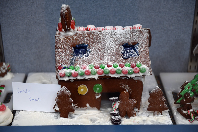 gingerbread-houses_1283.jpg