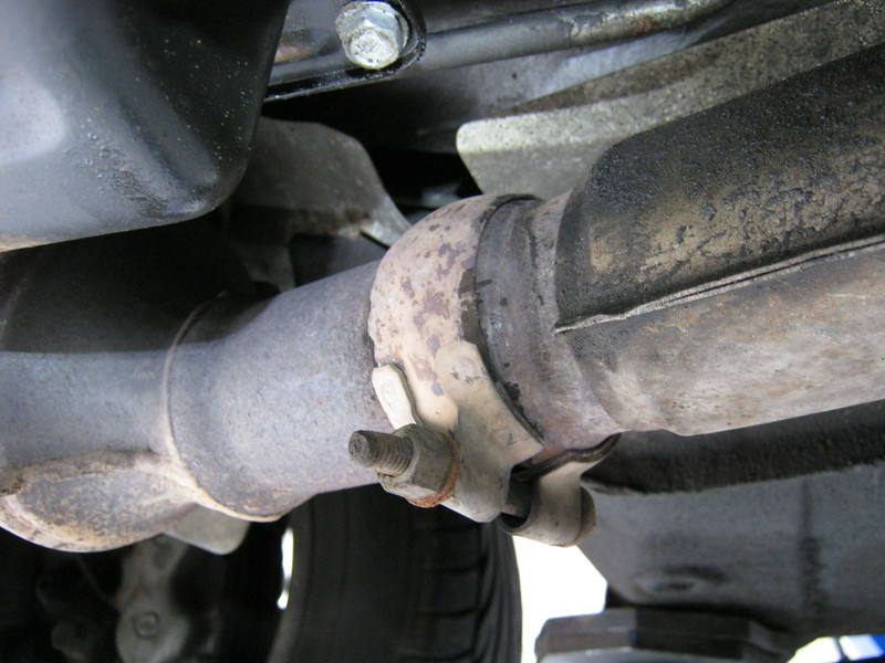 Right hand downpipe joint very loose