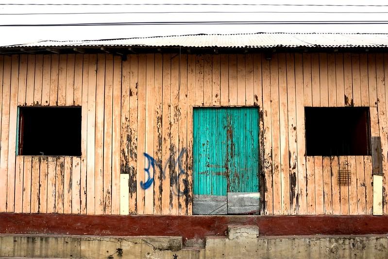 woodenbuildingesteli.jpg