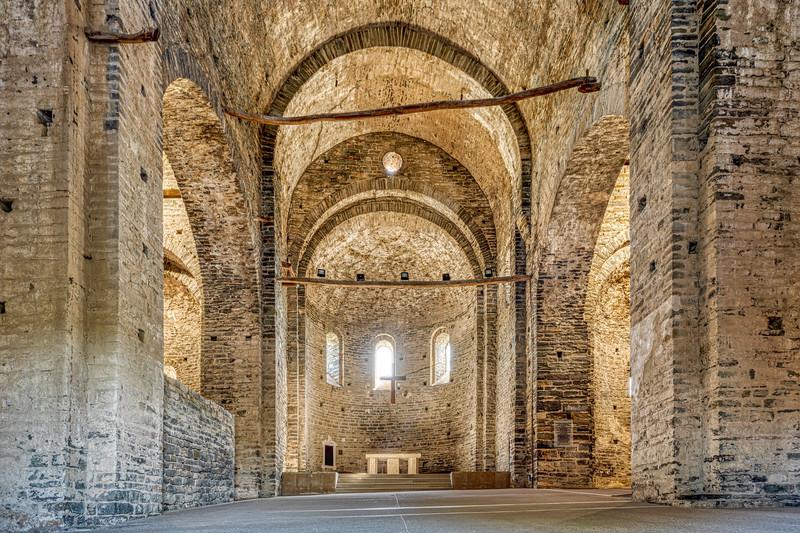 Sant Pere de Casserres, Church (Catalonia)