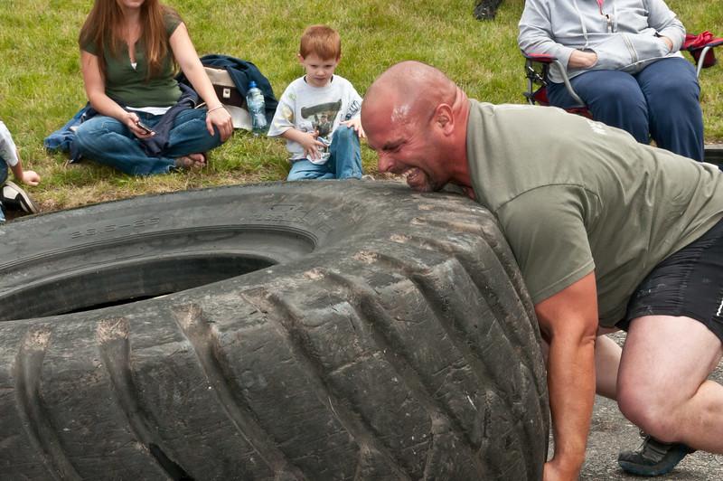 Fitness Revolution Strongman Challenge 2011_ERF4184.jpg