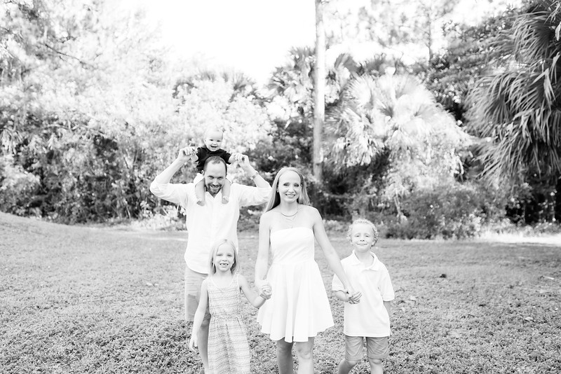 Murphy_Family Portraits_BW-39.jpg