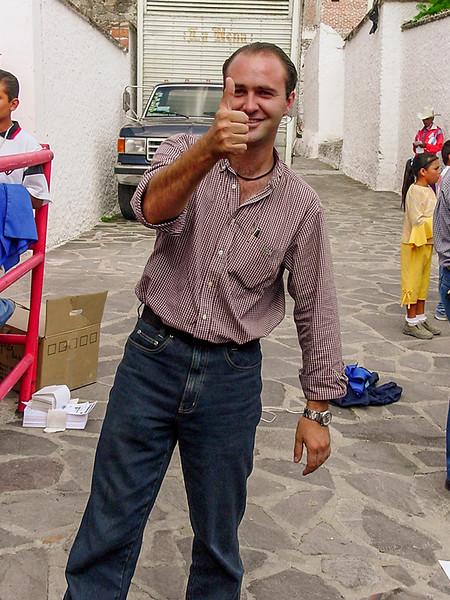 Villareal for Presidente, June 2003 (Sony Mavica)