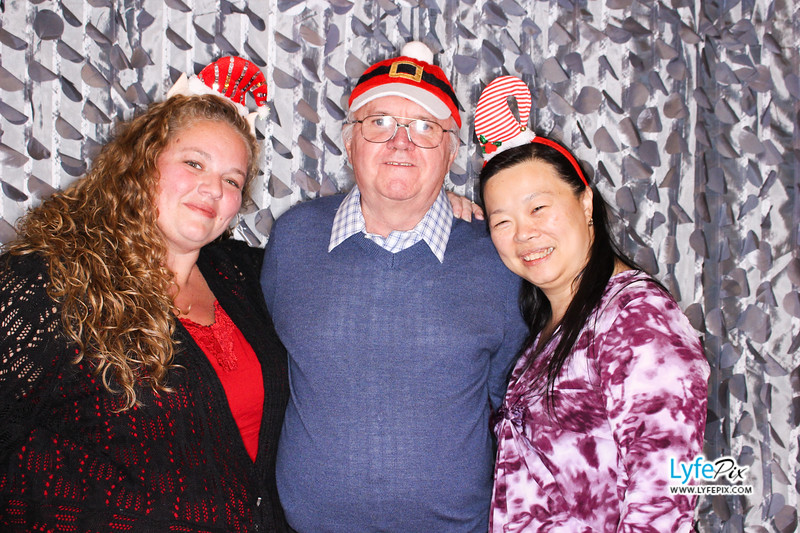 red-hawk-2017-holiday-party-beltsville-maryland-sheraton-photo-booth-0289.jpg