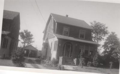 2084 STOWE ST-1930s.jpg