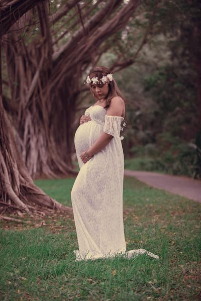 Richa Maternity Shoot