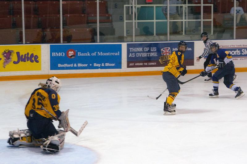20130310 QWHockeyvsUBC 700.jpg