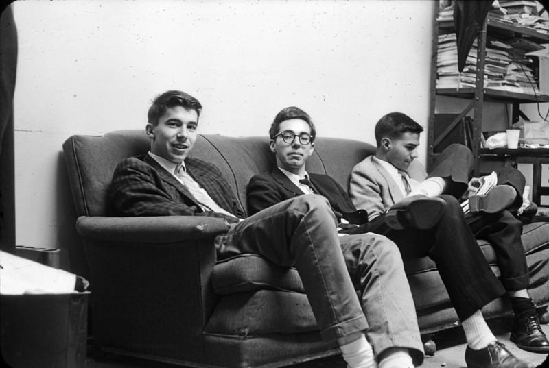 053 - Bruce, Joe H, Gary Vezzoli physics clubroomBis.jpg