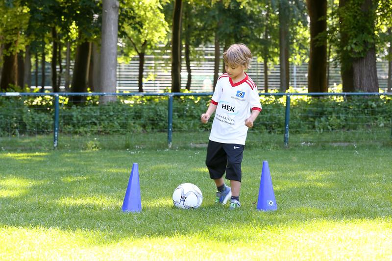 hsv_fussballschule-204_48047992533_o.jpg