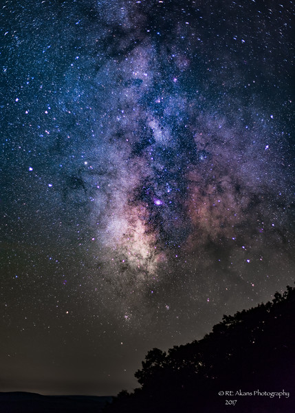 Made from 16 light frames (captured with a Canon camera) by Starry Landscape Stacker 1.4.4.