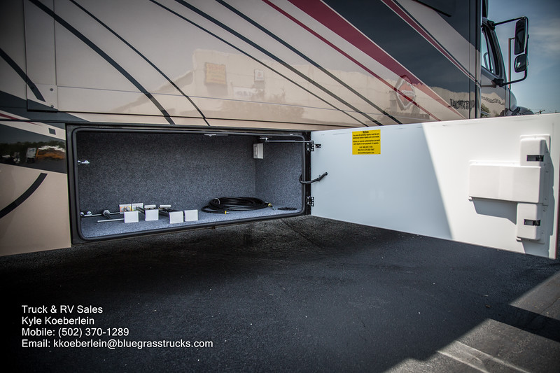 R0034 2020 Renegade Verona LE 40LRB-18.jpg