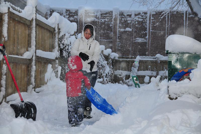 2012-12-09 First Snow of the Year - Sleeding 010.JPG