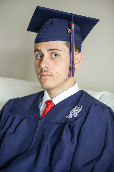 Thomas cap and gown-33.jpg