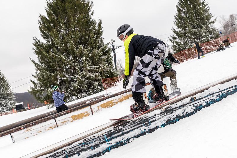 Mid-Season-Party_2017_Snow-Trails-9680.jpg
