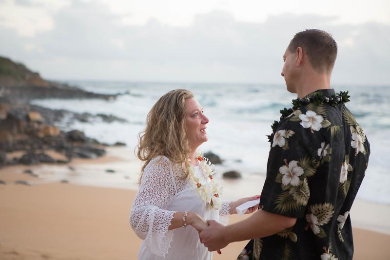 Kauai-sunrise-wedding-20.jpg