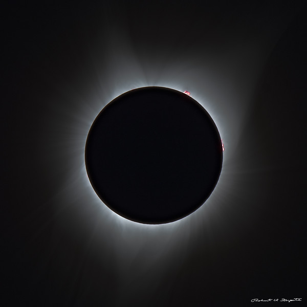 A single exposure showing more of the inner corona.
