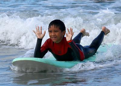 2017_09_23 Surf Camp 12 Boy Dark Hair WS Black w Red S