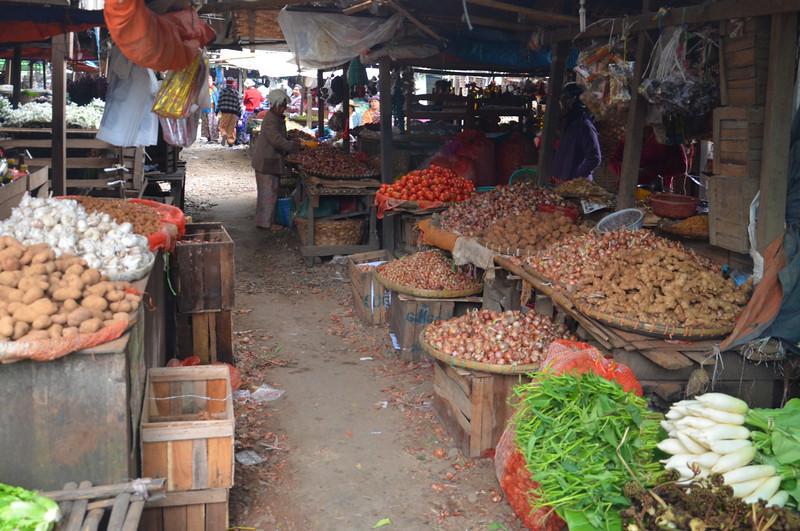 DSC_4785-produce-market-stalls.JPG