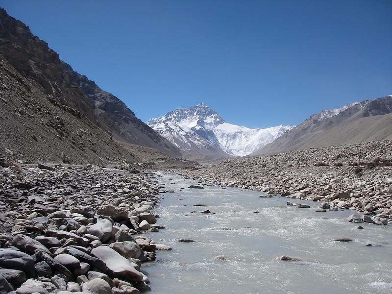 Rongbuk River (5.000m = 16,404ft)