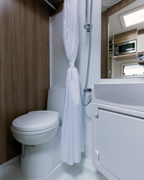 MoThomson_ScottishTourer_Skye_model_bathroom.jpg