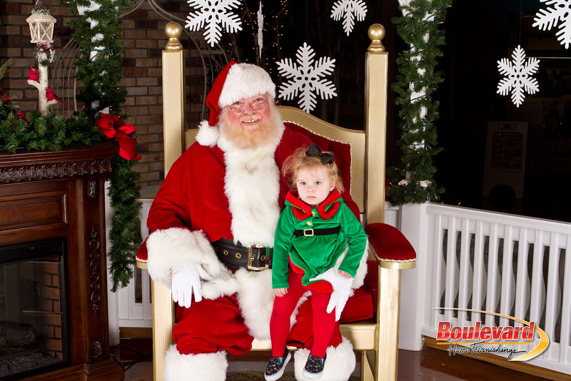 Santa Dec 8-316.jpg