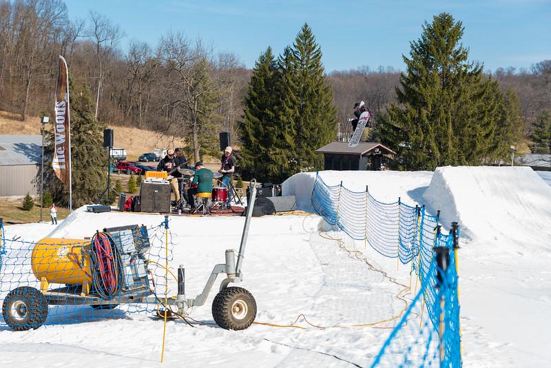 Backyard-BBQ-The-Woods-16-17_Snow-Trails-Mansfield-Ohio-1293.jpg