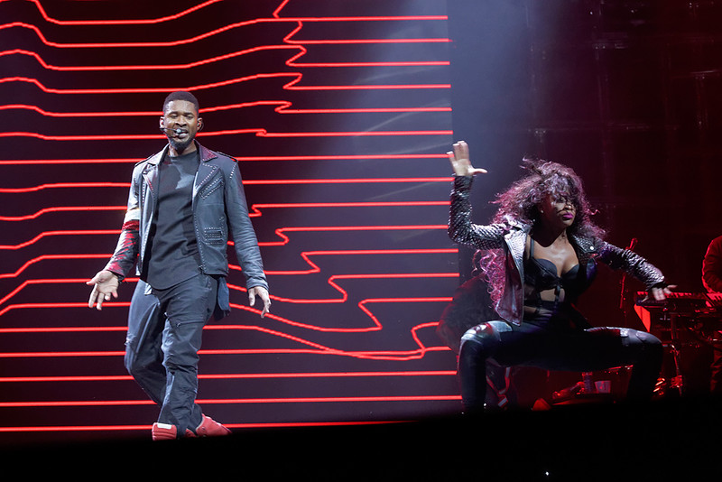 . Usher performs at The Palace on Nov. 4, 2014. Photo by Ken Settle