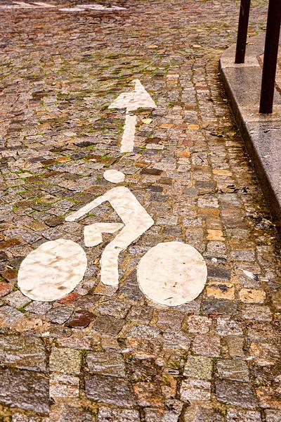 Paris  bike sign 0060.jpg