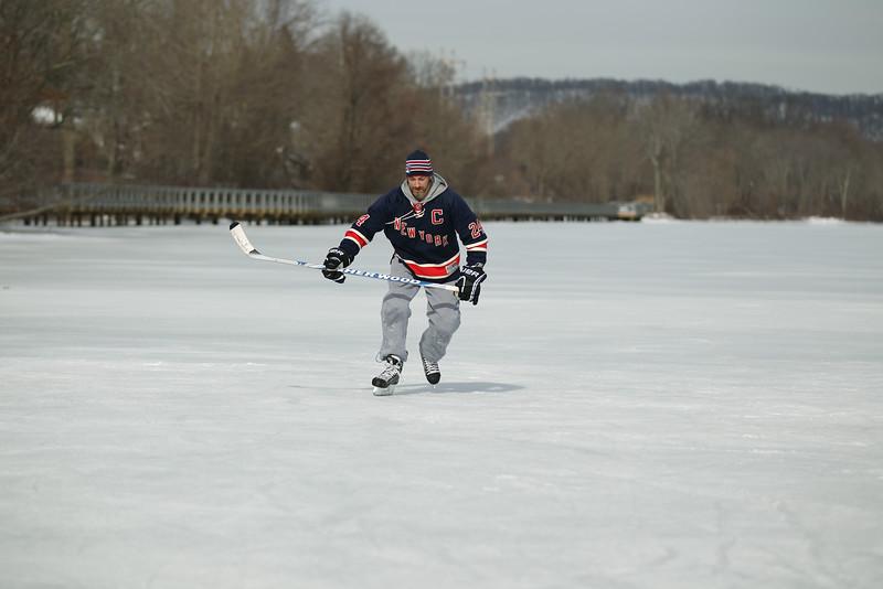 20140208_EMCphotography_PondHockeyCongersLakeNY-46.jpg