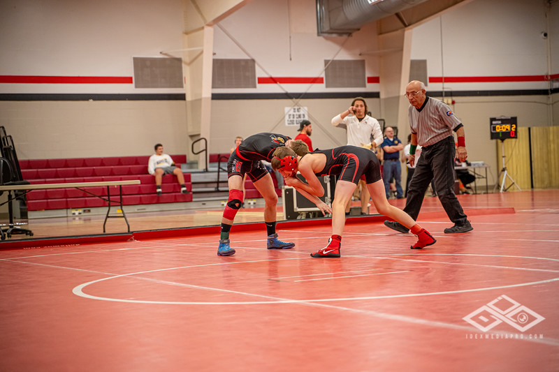 Wrestling at Granite City-09014.jpg